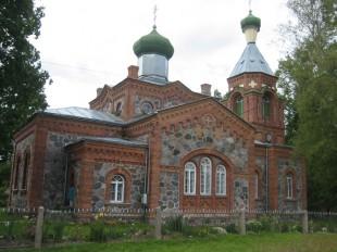 church-in-pltsamaa_v
