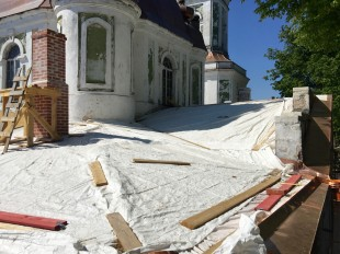 2016 05 31 foto Tartu Uspenski kiriku kirdenurga katus 003