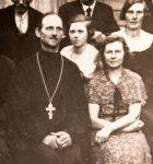 pa111829-upr-kosma-laredei-abikaasa-leidaga-hiiuma-kopu-puha-andrei-abikiriku-koguduseliikmetega